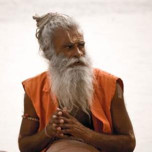 Un sadhu sur les rives du Gange